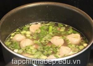 canh-bo-vien-nau-khoai-mon-cho-bua-com-ngon-mieng-5