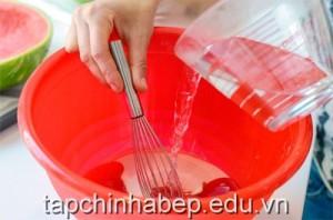 cach-lam-thach-dua-hau-ngon-cho-ngay-he-mat-lanh5