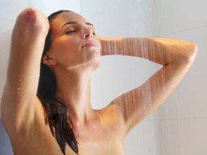chăm sóc da mùa đông hãy tắm nước vừa phải