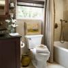 2 kiểu thiết kế phòng tắm chật độc đáo