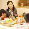 Bữa sáng đầy đủ giúp con bạn thông minh hơn